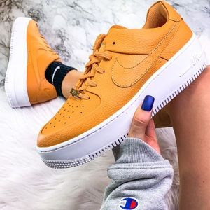 Nike Air Force 1 Sage Low Tangerine Size 9.5